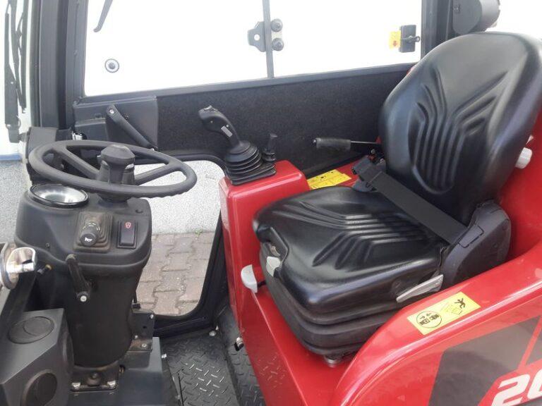 Schäffer 2028 SLT Fahrerkabine
